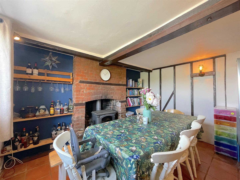 Dining Area (3).jpeg