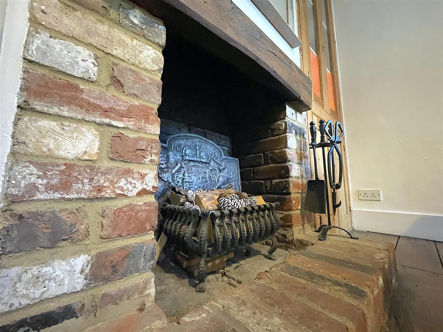 Dining Room Fire Place .jpeg