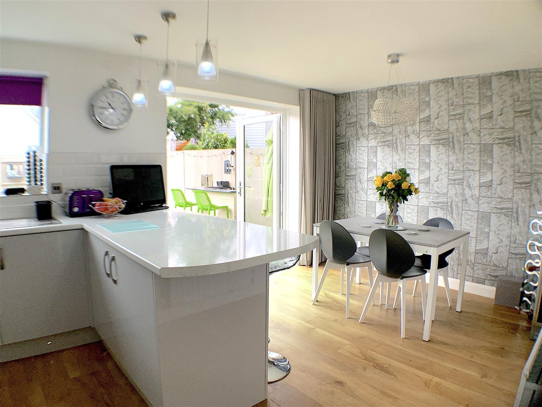 Kitchen:Diner Two .jpeg
