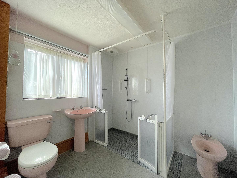 Wet Room.jpeg