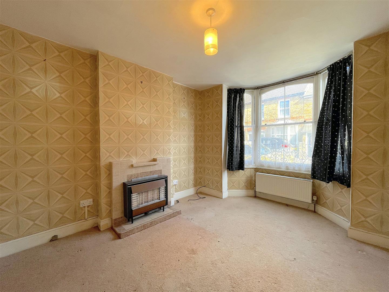 Living Room (1).jpeg