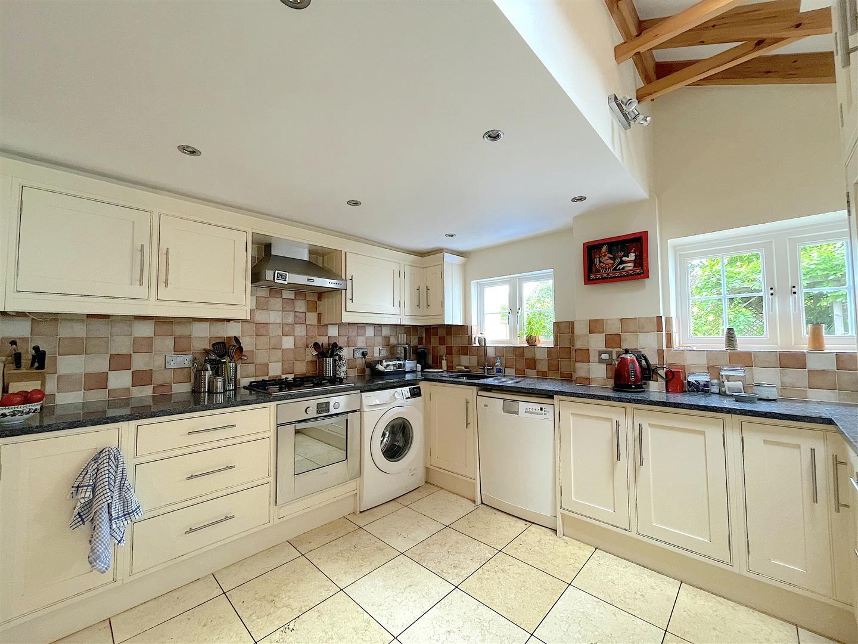 Kitchen (4).jpeg