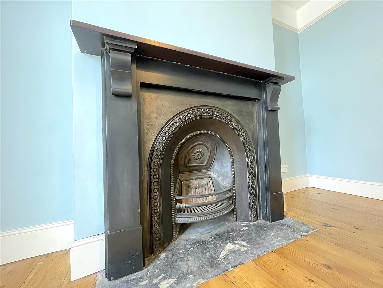 Living Room, Fireplace.jpeg