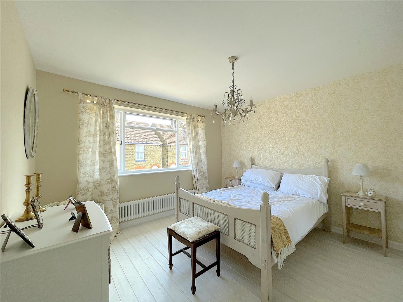 Bedroom One (1).jpeg