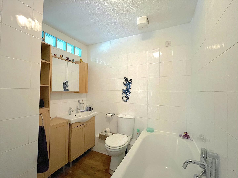 Bathroom (2).jpeg