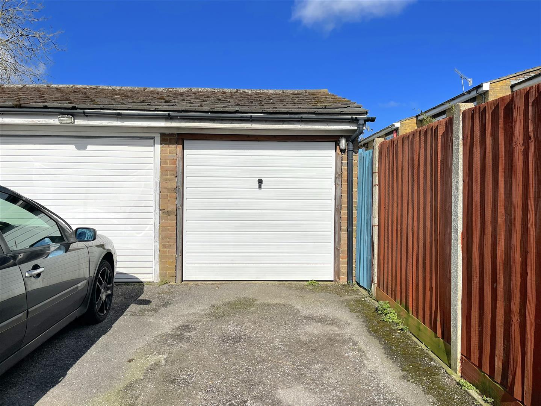 Garage (2).jpeg