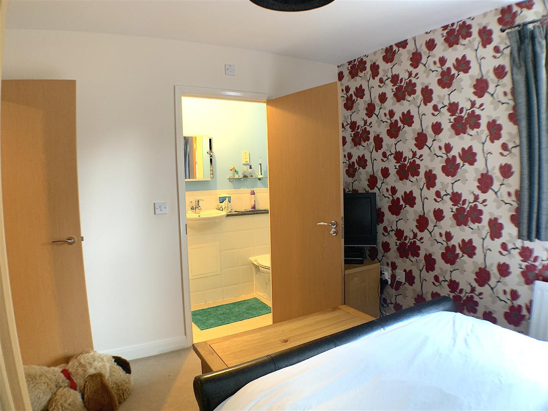 Bedroom One / En-Suite