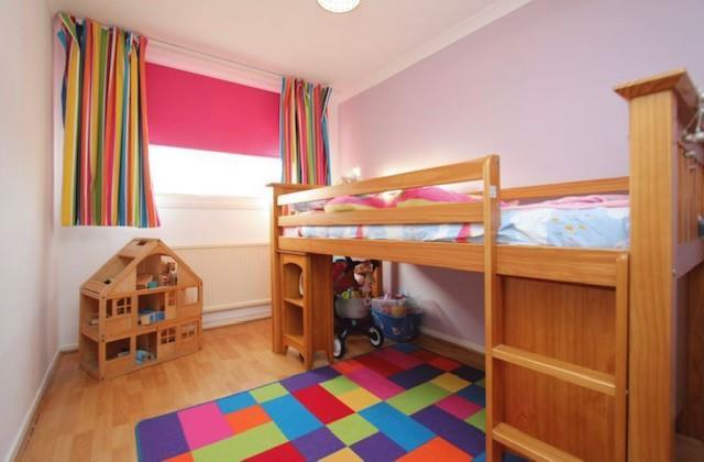 bedroom mer.jpg