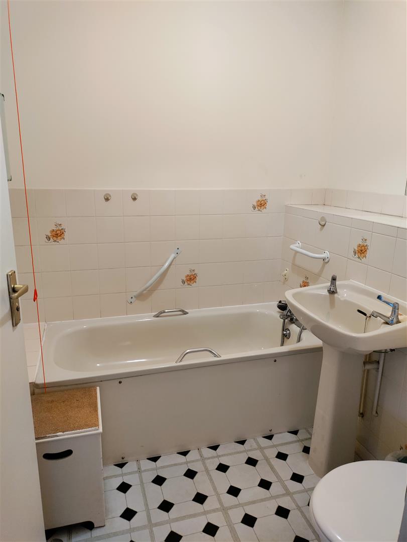 Cotsmoor - Bathroom.jpg