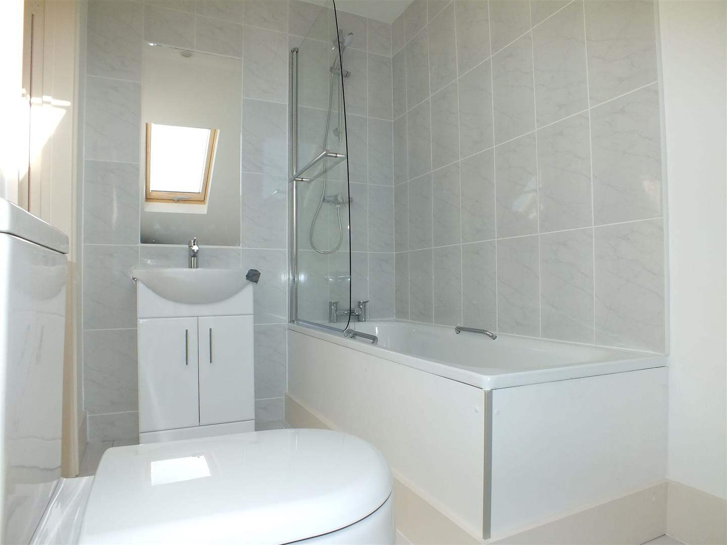 En-Suite Bathroom.jpg