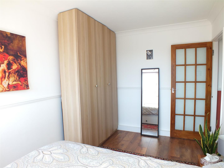 bedroom furn 2.jpg