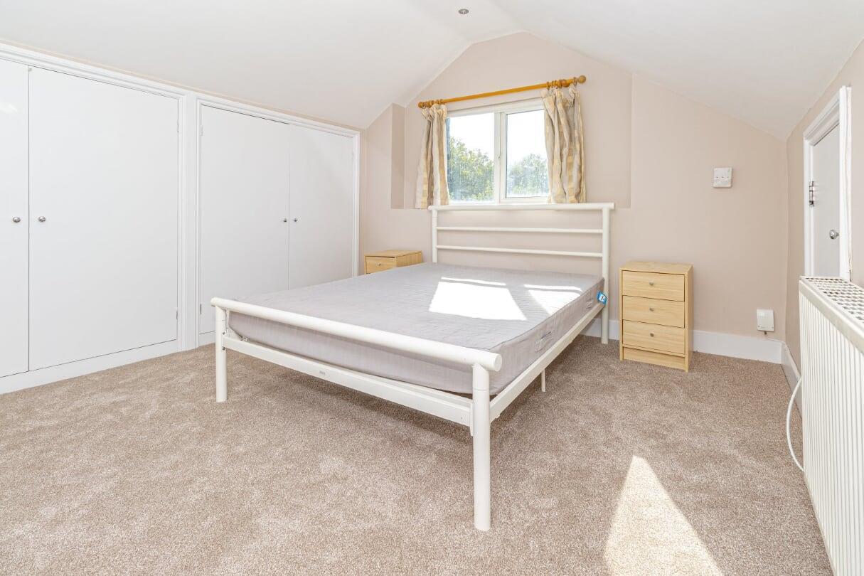 top bedroom 2.jpg