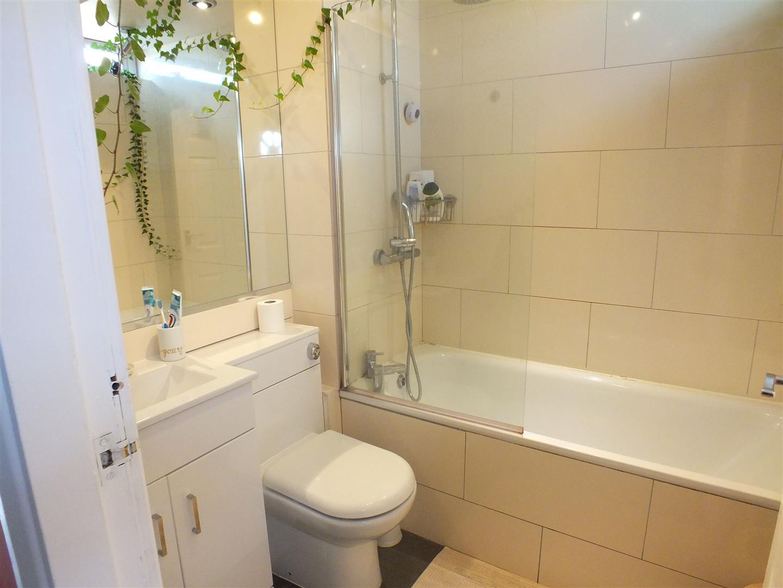 bathroom plants.jpg